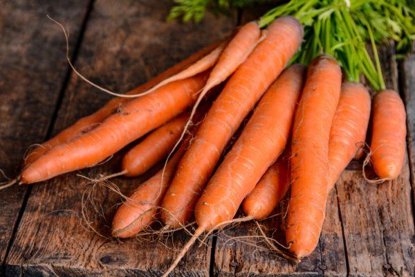 beta carotene trong Củ cà rốt giúp ngừa dị ứng thời tiết rất tốt