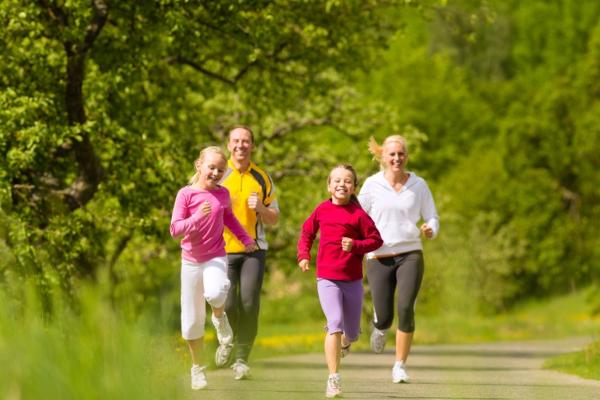 Luyện tập thể thao nâng cao sức khỏe, chống dị ứng thời tiết