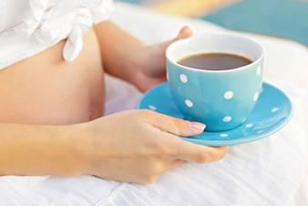 Tác dụng tuyệt vời của trà nhân trần và những lưu ý khi sử dụng