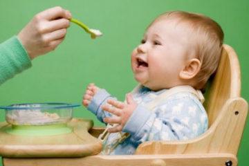 Có nên cho trẻ dùng váng sữa thường xuyên?