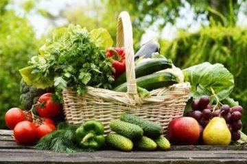 ăn nhiều rau củ quả trị táo bón sau sinh