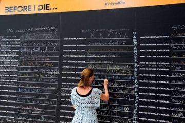 Bạn ghi gì lên tấm bảng 'Trước khi tôi chết…' ở Paris?