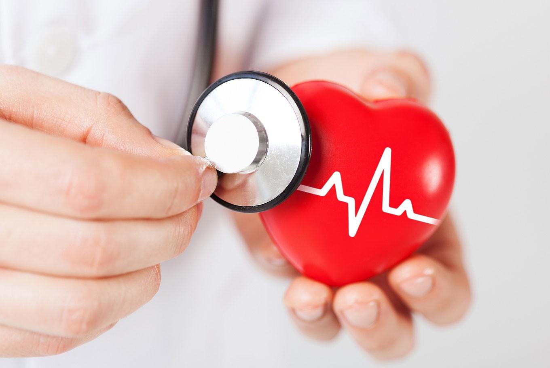 6 dấu hiệu thường gặp cảnh báo bệnh tim mạch - Benh.vn