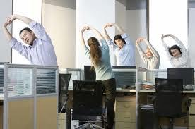 5 bài tập thể dục cho 'dân' văn phòng