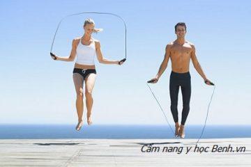Mách bạn bí quyết nhảy dây khiến chân thon, bụng phẳng