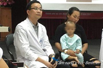 Biến chứng từ viêm xoang: Bé trai 16 tháng xuýt phải múc bỏ mắt