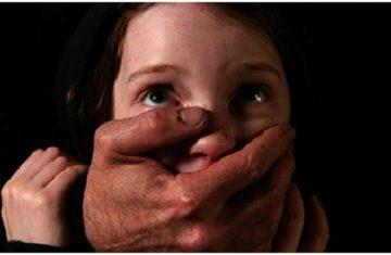 Bộ quy tắc quan trọng cha mẹ cần biết để bảo vệ con tránh nạn ấu dâm