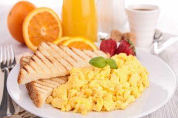 7 cách đơn giản để luôn có bữa sáng ít tinh bột và đường