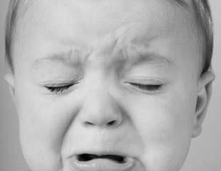 Mẹo hay dỗ bé bớt quấy khóc