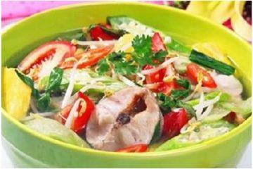 Canh chua cá lóc mang cảm hứng cho bữa cơm gia đình