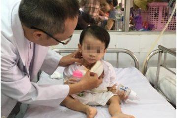 Bài học cảnh giác sau ca cấp cứu cháu bé 16 tháng ngã khi đang ngậm thìa