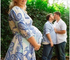 Australia: Cặp đôi đồng tính nam hạnh phúc đón bé trai do em gái mang thai hộ