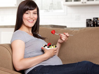 3 tháng giữa thai kỳ mẹ bầu nên bổ sung những gì?