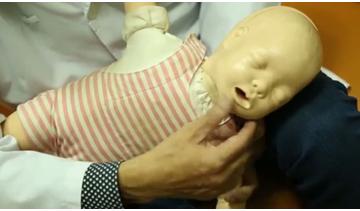 Chuyên gia hướng dẫn cách xử lý khi trẻ lên cơn co giật