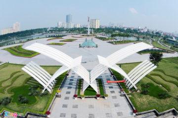 Chợ tình trước công viên hiện đại nhất thủ đô