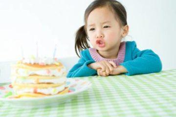 Từ 0-5 tuổi bé có những mốc phát triển nào cha mẹ nên ghi nhớ