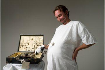 Bạn có tin: Đàn ông có thể mang bầu vào năm 2020?