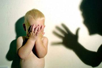 Đòn roi hay sự bất lực của cha mẹ