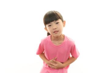 Biểu hiện trẻ bị đau bụng giun và thời điểm cần thiết tẩy giun cho trẻ