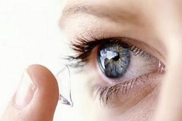 Tác hại nguy hiểm của việc đeo kính áp tròng