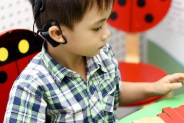Khám chức năng nghe phát hiện bệnh điếc
