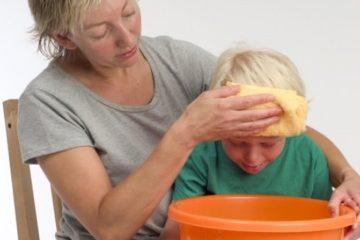 Cách xử lý khi trẻ bị ngộ độc rượu, dầu hỏa