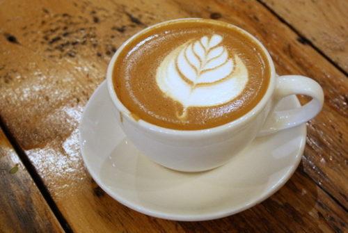 hạn chế caffein