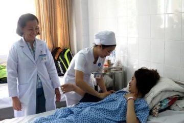 Hiếm gặp: thai 'đi lạc đến sau cuống gan