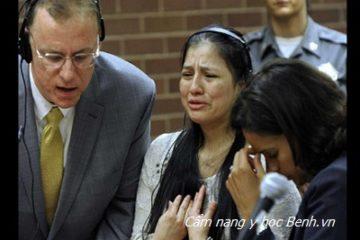 Học người Mỹ xử phạt bảo mẫu bạo hành trẻ em