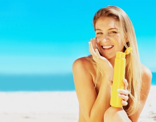 Sử dụng kem chống nắng đúng cách - Benh.vn
