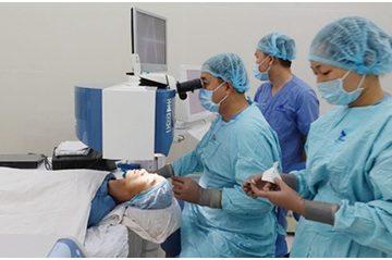 Kỹ thuật SmartSurfACE giúp phẫu thuật mắt mà không chạm vào mắt