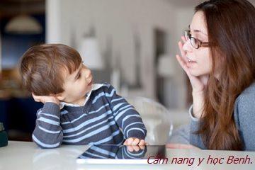Học cách làm bạn với con để gần con thêm chút nữa