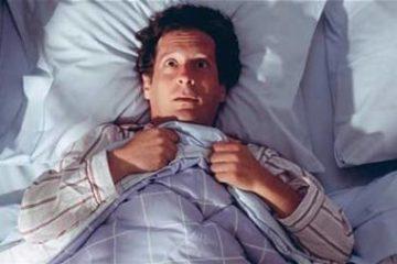 Tìm hiểu hiện tượng kỳ lạ: Mở mắt khi ngủ