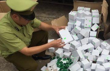 Bắt giữ hơn 6.000 thỏi son giả nhập lậu