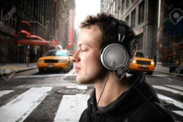 Nghe nhạc thế nào để an toàn cho đôi tai?