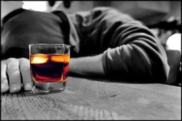 Giảm thiểu rủi ro ngộ độc do uống phải rượu giả ngày Tết