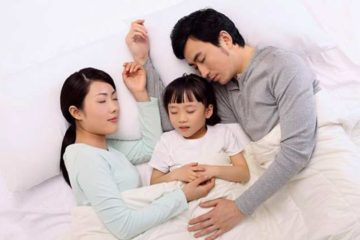Trẻ ngủ chung với bố mẹ tốt hơn hay ngủ riêng tốt hơn