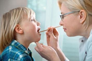 Nguyên nhân khiến trẻ em cũng bị đau đầu như người lớn