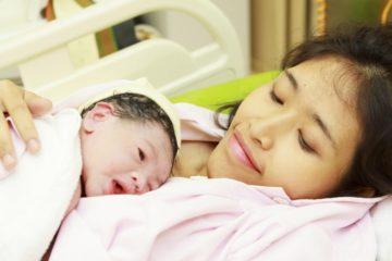 Phụ nữ sau sinh dễ nhiễm khuẩn hậu sản