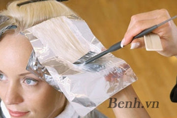 Tác hại khôn lường của thuốc nhuộm tóc và những lưu ý khi sử dụng