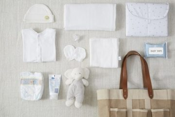 Tại sao phần lớn các bà mẹ Thái Lan đều chọn khăn đơn sắc cho bé?