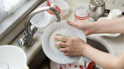 rửa bát đúng cách