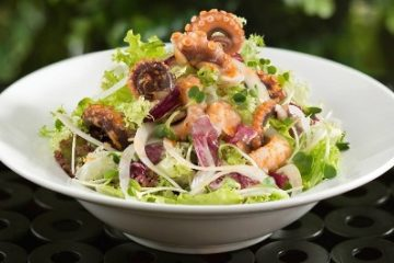 Salad bạch tuộc thơm ngon bất ngờ