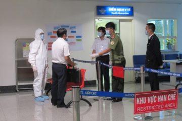 Kiểm soát bệnh Ebola bằng cách đặt hệ thống khử trùng tại sân bay