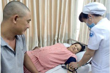 Sản phụ 41 tuổi bị thuyên tắc phổi ngay trên bàn mổ sinh