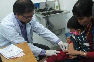Tại sao phải hạn chế cắt bao da quy đầu cho trẻ sơ sinh?