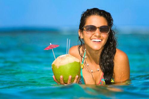 nước dừa giúp tăng cường năng lượng cho cơ thể