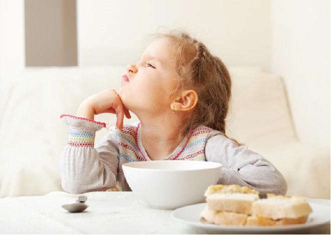 Trẻ biếng ăn có thể do thiếu máu dinh dưỡng
