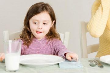 Trẻ sẽ lùn nếu thừa canxi
