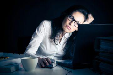 Thức khuya, ngủ muộn – Cơ thể sẽ bị ảnh hưởng nhiều vô kể